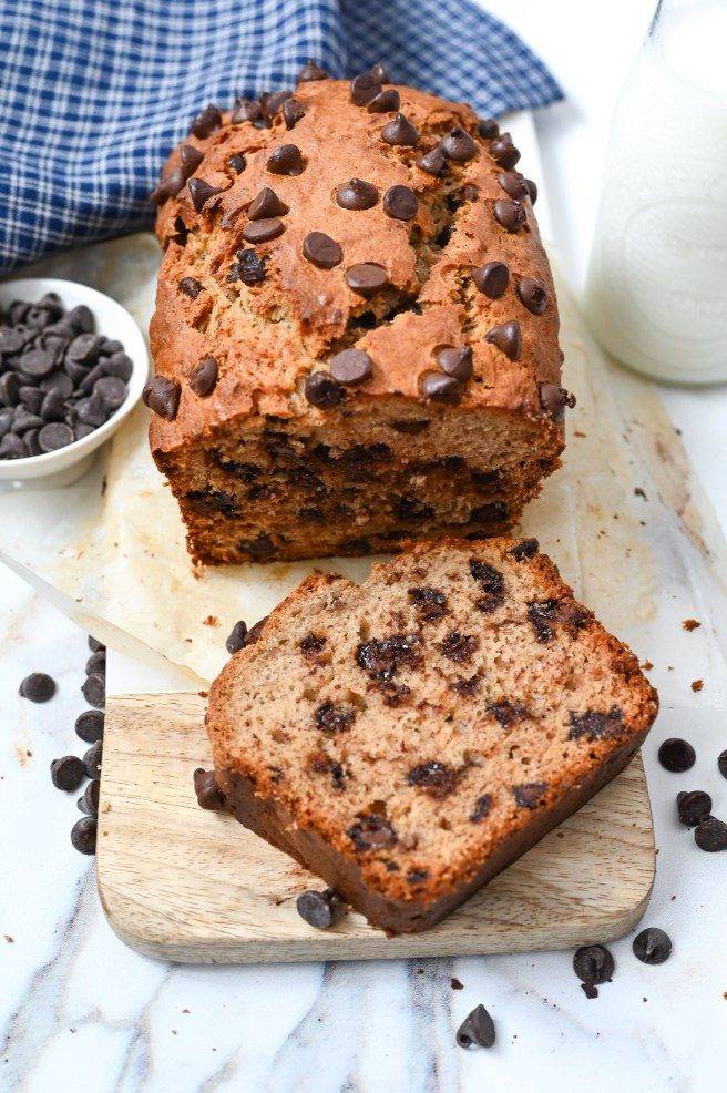 The best chocolate chip banana bread, super moist and easy