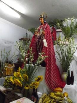 """Santa Bárbara bendita para ti surge mi lira y con emosion se inspira ante tu imagen bonita..... Que Viva Changó""."