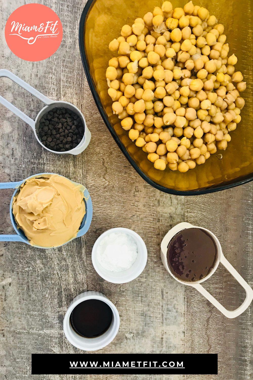 Miam&Fit_blondies-au-beurre-de-cacahuète-et-pois-chiche-1