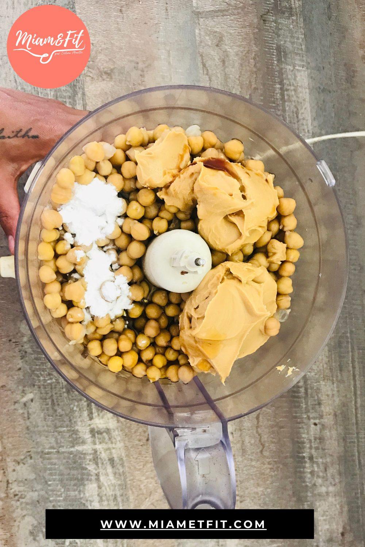Miam&Fit_blondies-au-beurre-de-cacahuète-et-pois-chiche-2