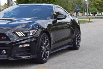 ford-mustang-black-005