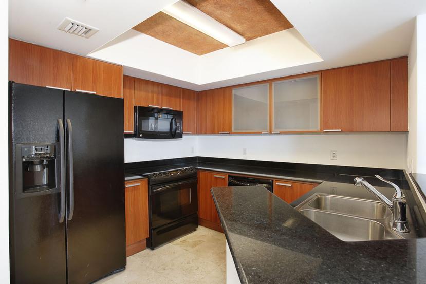 La Perla 4004 Kitchen