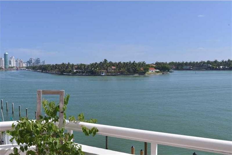 Indian Creek Club Marina Miami Beach views