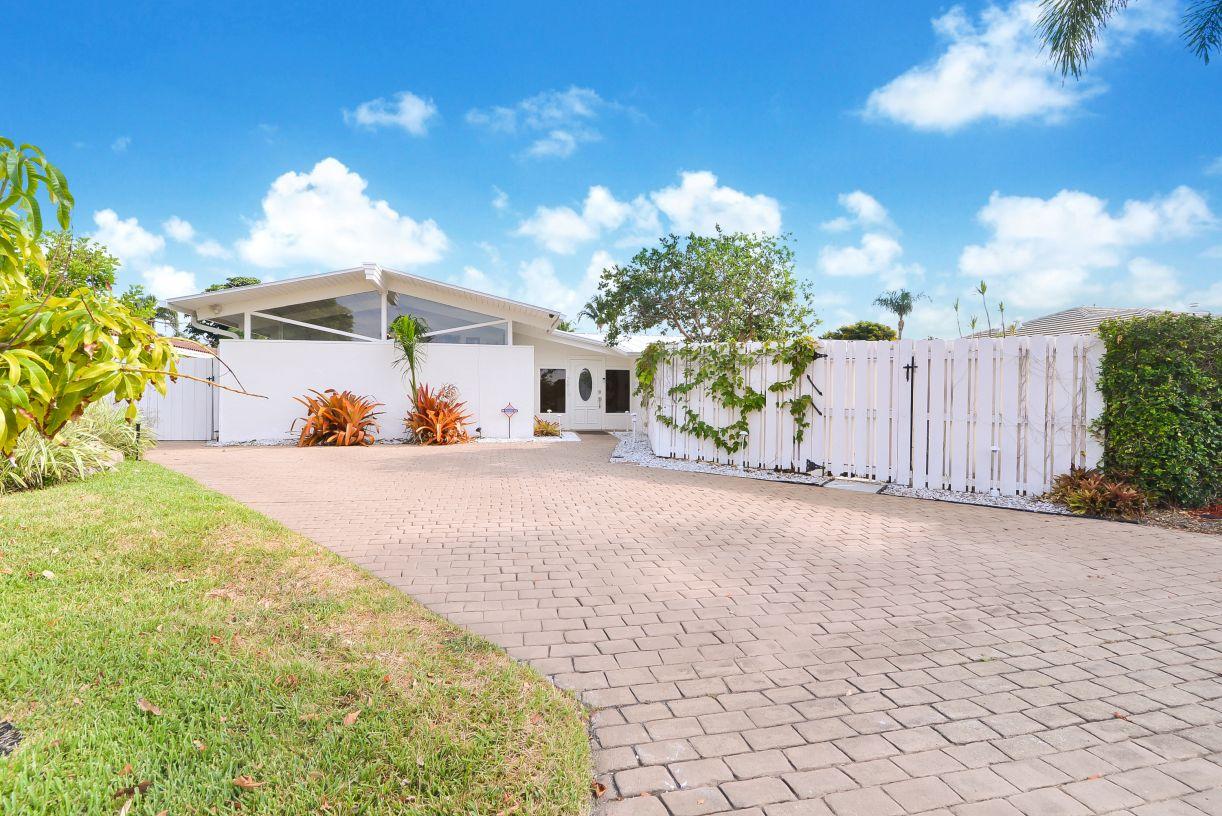 2811 NE 41st Street Fort Lauderdale, Florida Mid-Century Modern Home