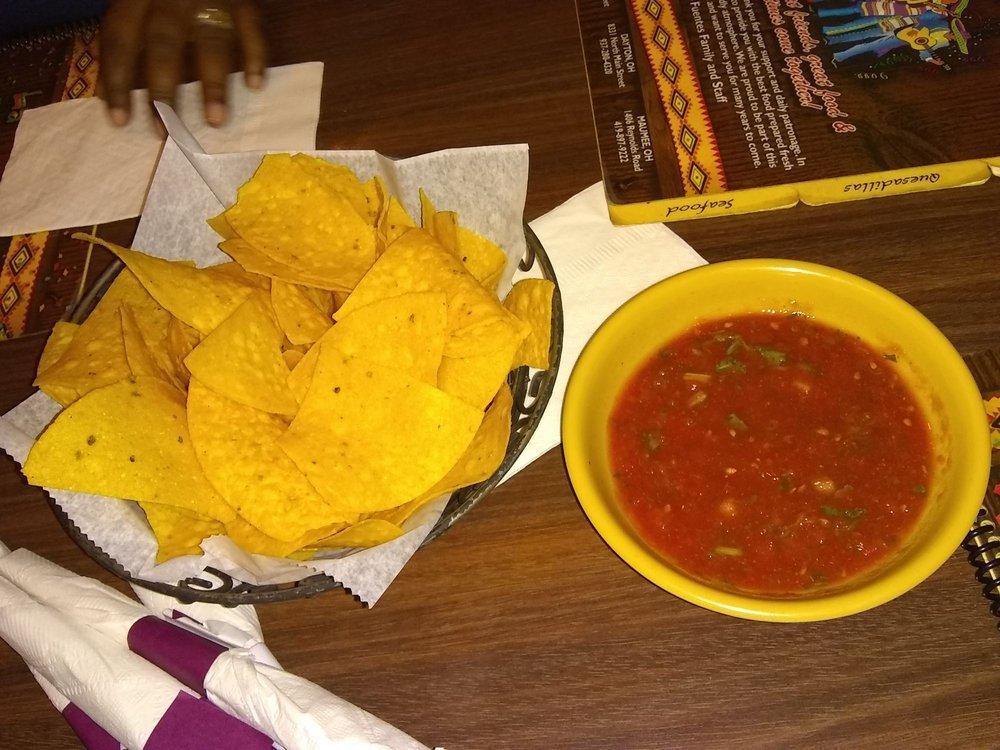 Man Mindlessly Eats 12 Baskets of La Fiesta Chips