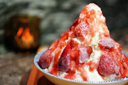 Azabu - Shaved Ice with Strawberries 2