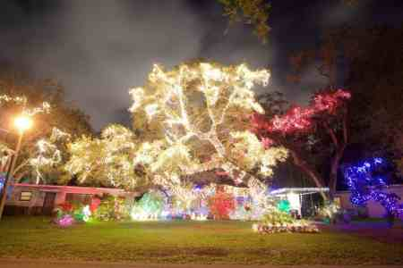 Holiday light displays in Miami