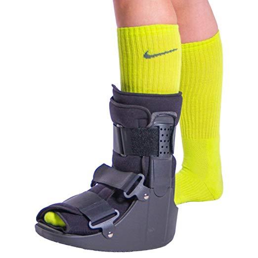 BraceAbility Short Broken Toe Boot