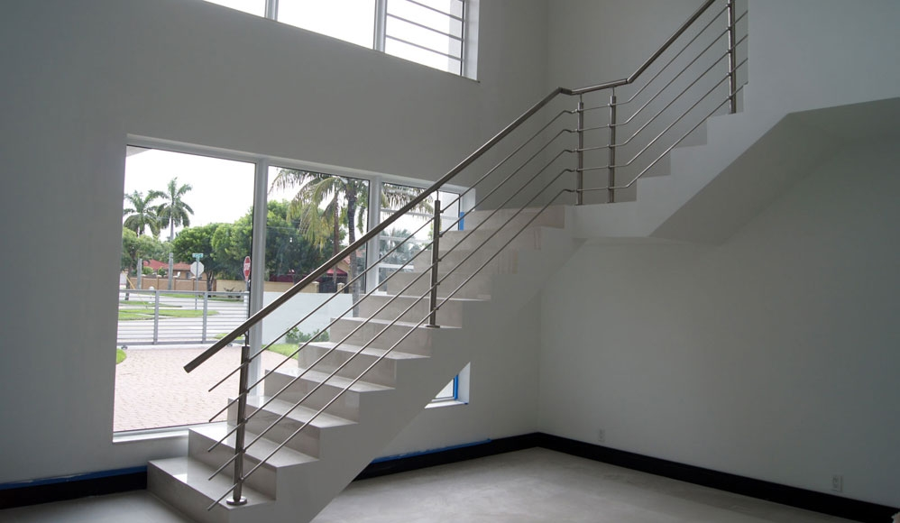 Stairs Glass Railings Stainless Railings Wood Railings | Staircase Railing With Glass | Low Cost | Cost | Residential | Pinterest | Spiral