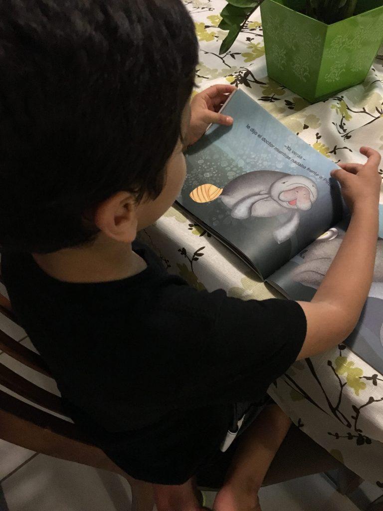 Mi niño de siete años se interesó mucho cuando lo vio.