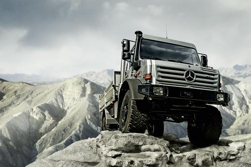mercedes-benz-unimog-is-off-roader-of-the-year-2009
