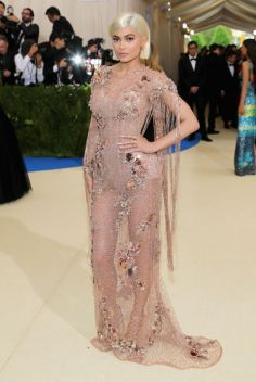 Kylie Jenner - Transparencia bella