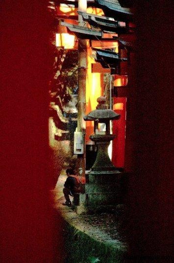 fushimi-inari-afternoon-kyoto-micah-gampel-2010