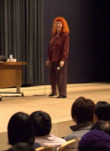 jeanne-claude-2006-10-28-micah-gampel-kyoto118s