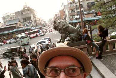 yasaka-gion-april-2011-micah-gampel-3553