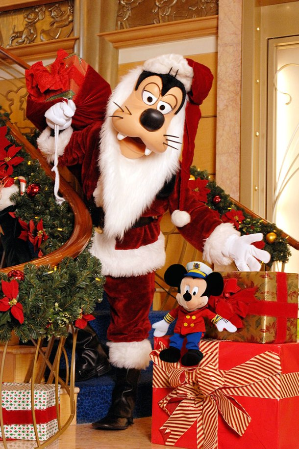 winter_holiday_03_copyright_disney_cruise_line winter_holiday_03_copyright_disney_cruise_line