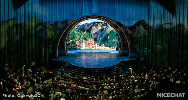 The Color Blind Casting Of Disney S Frozen Stage Show