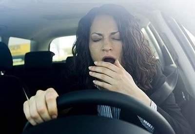 Назван процент водителей, засыпающих за рулем