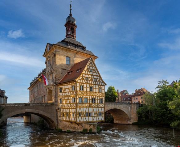 Altes-Rathaus-Bamberg-Bayern-Franken-Deutschland-Architektur-historisch-Canon_5DM3-(210613_5DM3__V4A0052-Pano)