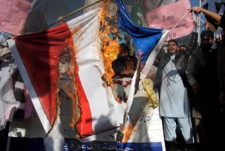 Pakistan_Charlie_Hebdo_Protests__-_Meldungsliste1_-_AP-Bild_-_16.01.15_-_20.39_-_AP21891_-_Vollbild