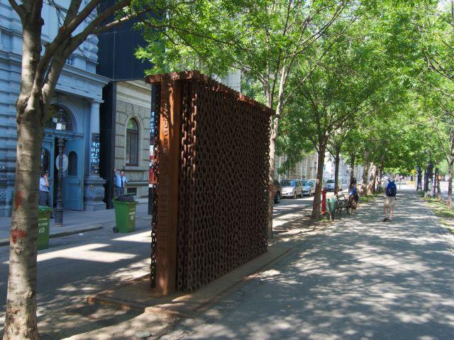 Памятник эпохе советского господства