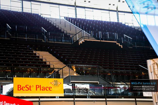 6D – General Release: Event- & Pressefotos: KTU Linz @BeSt3 2015 & Architekturfotos: Wiener Stadthalle/ESC 2015 Austragungsort