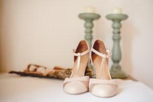Getting Ready Schuhe Detail wunderschoen Reportage Hochzeit Foto Hochzeitsfotografin Michaela Klose Paarfotos