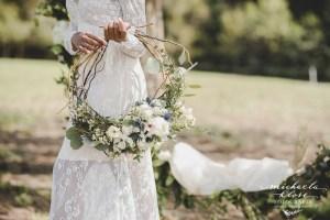 Braut Inpirationsshooting Styled Shoot Landlust Flower Ring Lantern Brasilian Bride Vintage