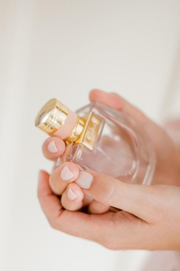 Getting Ready - Hochzeitreportage - Braut Details - Parfum Chloe