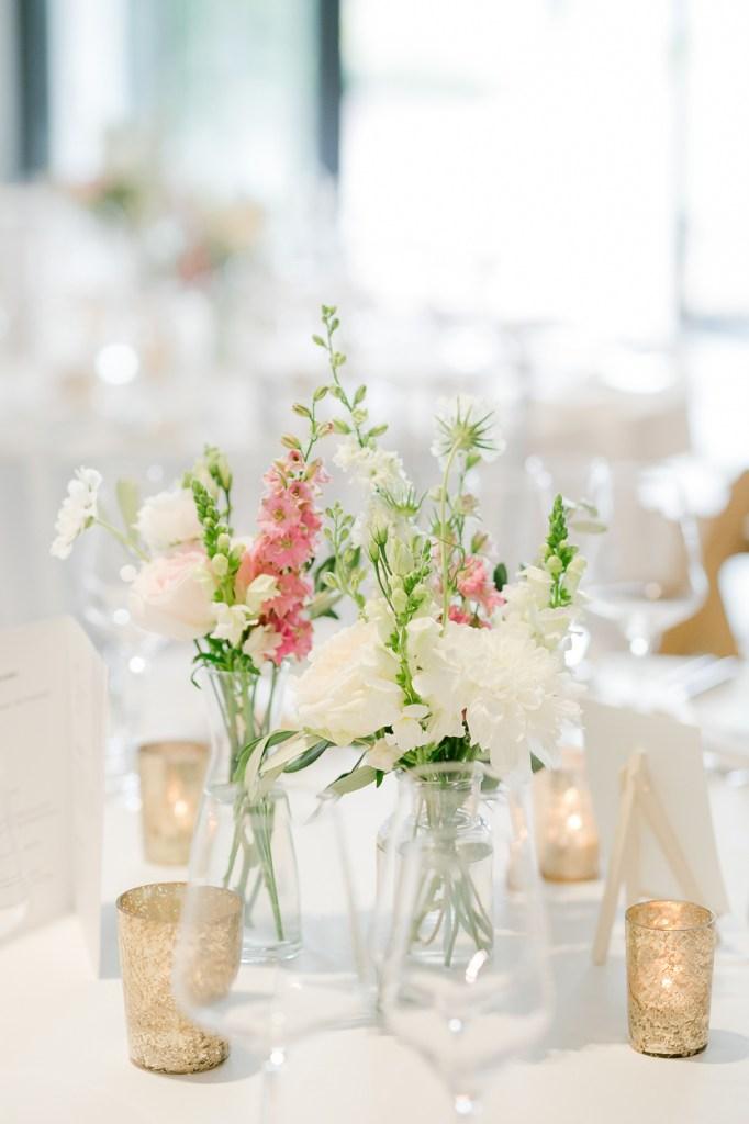 Weingut Hochzeit Tischdekoration Fine art hochzeit Michaela Klose Hochzeitsfotografin