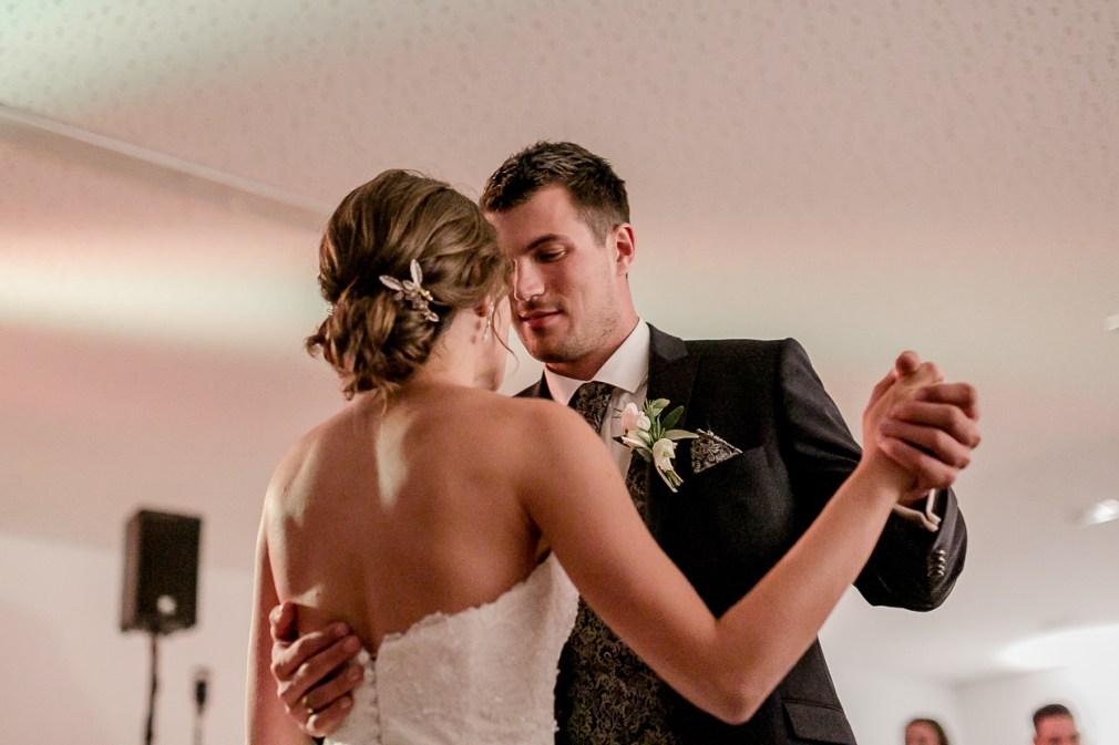 Brauttanz Weinguthochzeit Hochzeitsreportage