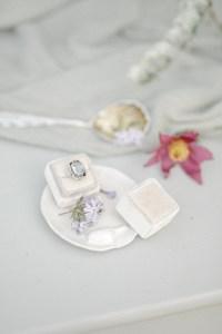 Verlobungsring Hochzeit im Garten Hochzeitsfotografin