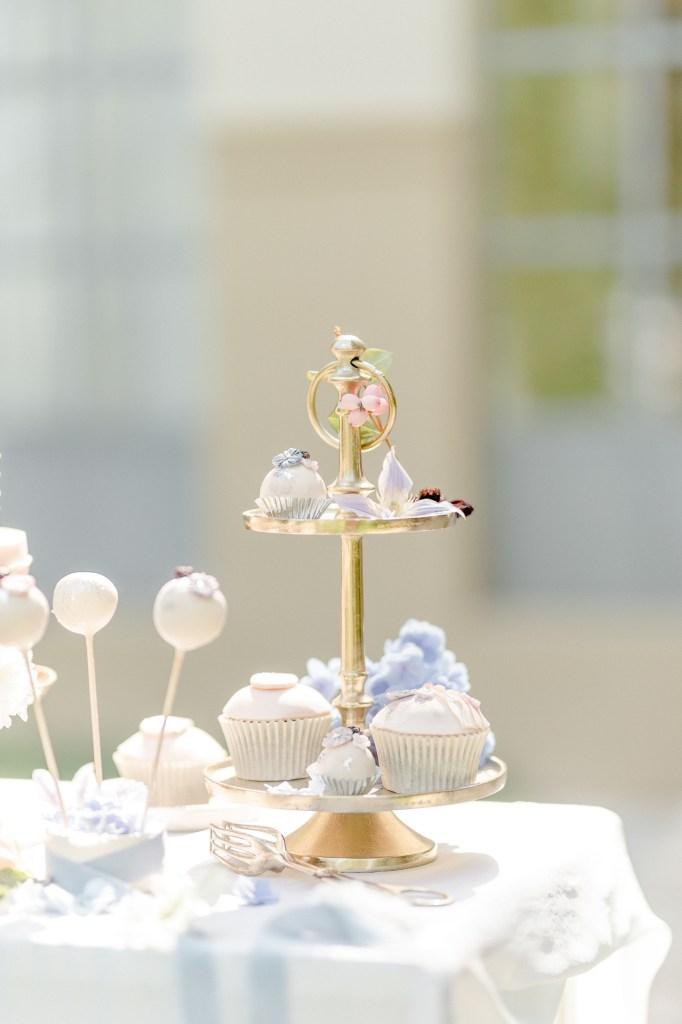 Etagere Hochzeitstorte für die Fine Art Hochzeit