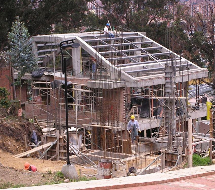 Home building in Bogotá