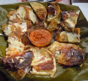 plate of patacones (tostón de plátano)