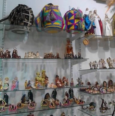 Arte Luna shelves bags