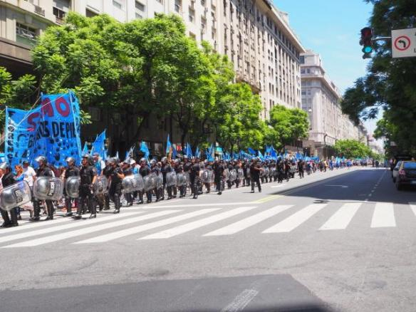 The march along Avenida Peña