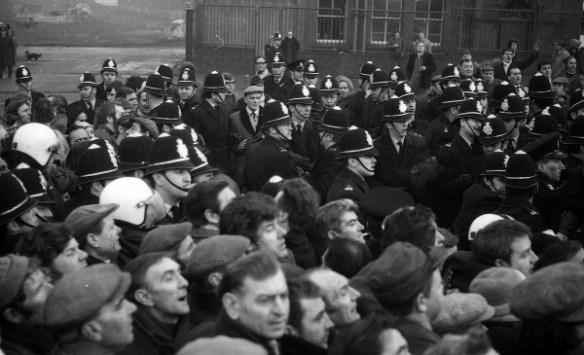 The Battle of Saltley Gate 1972 - 02
