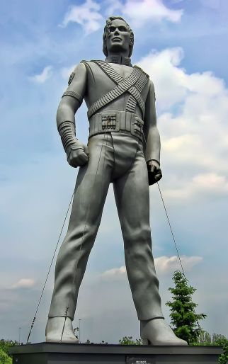Statue of Michael Jackson based on Diana Walczak's original HIStory statue in Eindhoven, the Netherlands