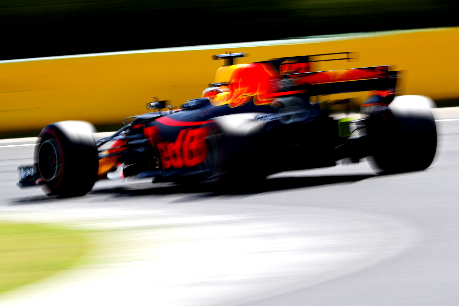 Daniel Ricciardo in his RB13 at the Hungaroring.