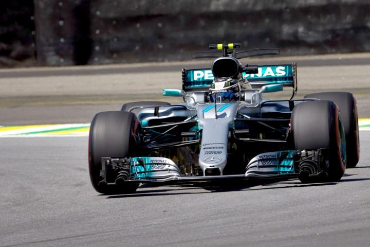 Valtteri Bottas on track at the 2017 Brazilian Grand Prix
