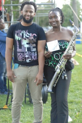 performers-during-maywood-family-fest