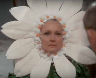 Sue Ann Nivens as Aunt Daisy