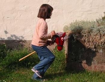 Correr con un caballo de madera, la última excentricidad (conocida) de Finlandia