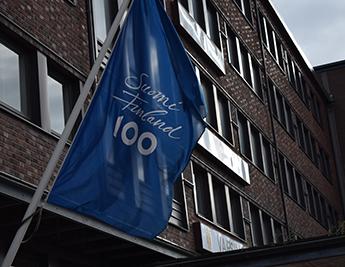 bandera Suomi Finland 100