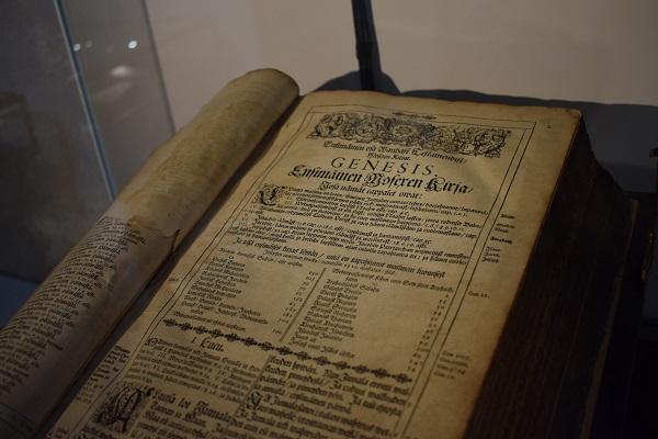 Biblia Génesis finlandés antiguo