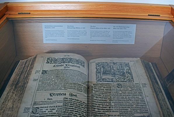 Biblia finlandés Ristinkirkko