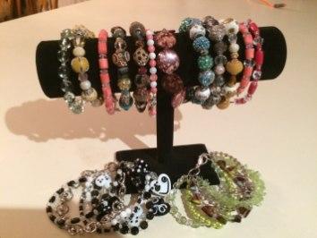 E & L Creations – Notecards, Crocheted Children's Hats, Bracelets