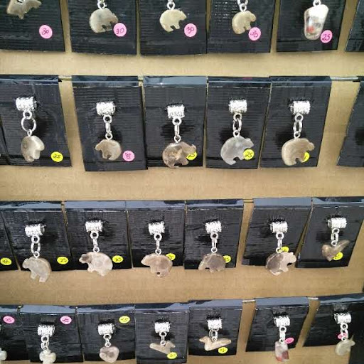 Kerner Creations – Petoskey Stone and Pudding Stone Crafts, Pendants, Necklaces, Wine-corks