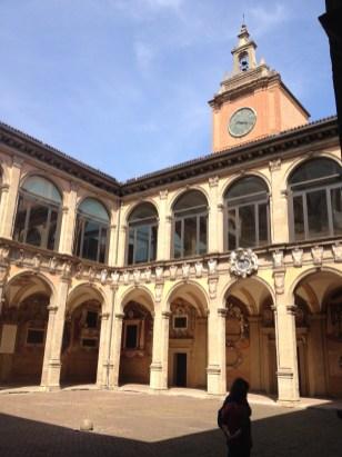 Kirche im Innenhof vom Palazzo Archiginnasio